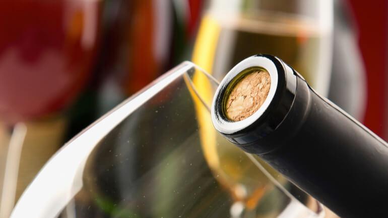 Wat is de beste afsluiting voor een wijnfles?
