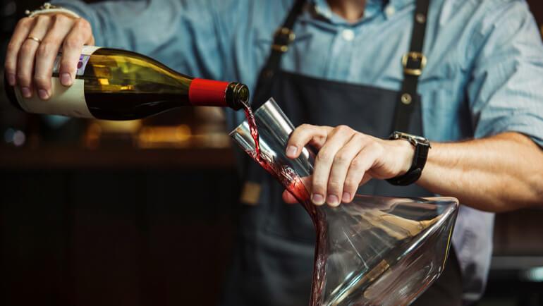 Waarom moet je wijn decanteren?